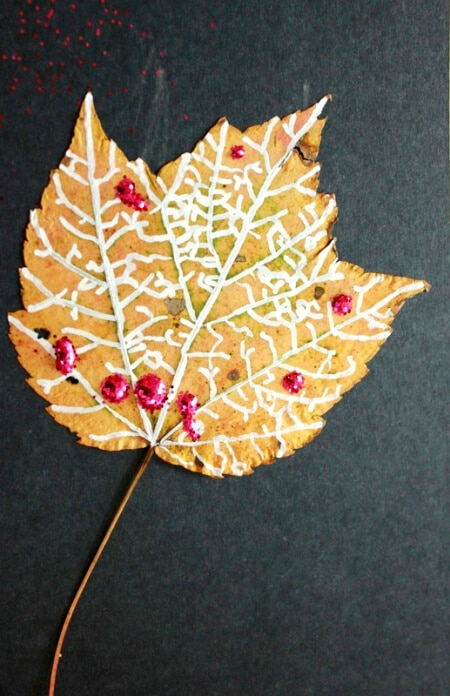 Glitter leaf craft with Autumn leaves