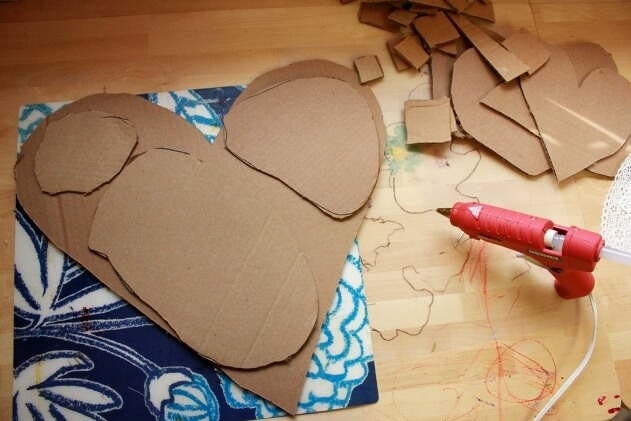 Cardboard Heart Art Project for Kids 03