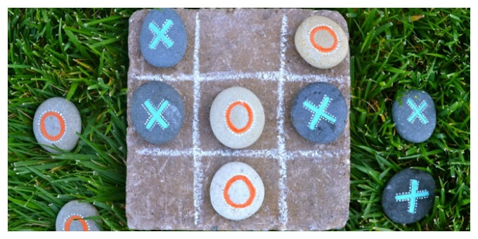 DIY Outdoor Games with Rocks - Garden Tic Tac Toe