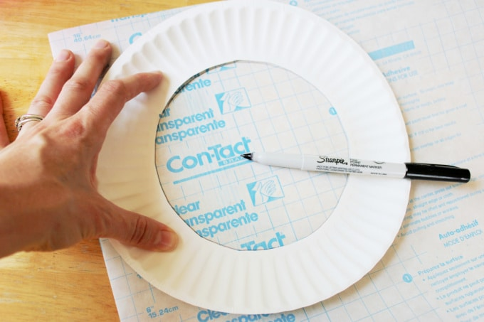 creating a paper plate frame for suncatcher