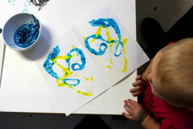 How to Make Mirror Image String Prints with Kids