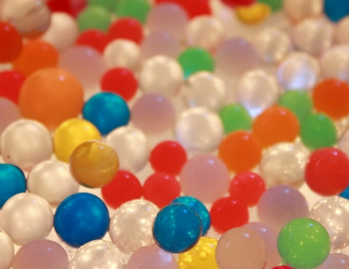 Water Beads on the DIY Light Table