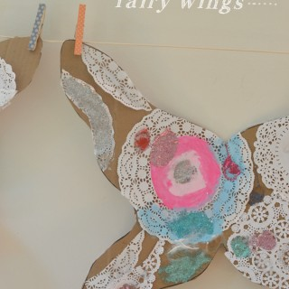 How to Make Fairy Wings with Cardboard and Doilies