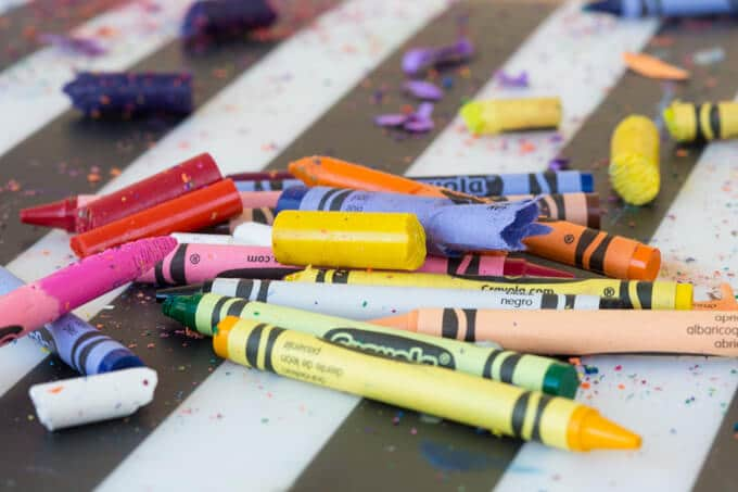 Crayons for melted crayon art