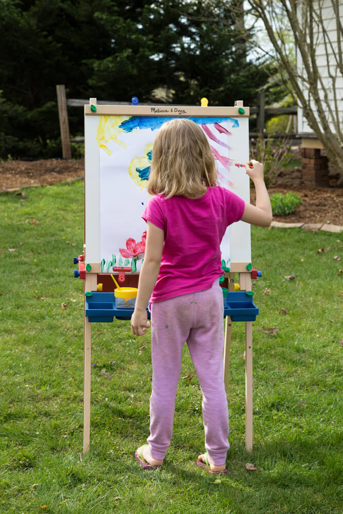 Art Spaces for Kids - Using the Easel Outdoors