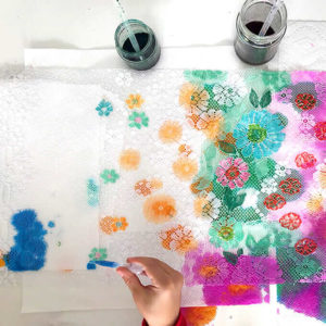 How to Paint Lace with Kids to Create a Beautiful DIY Wall Hanging