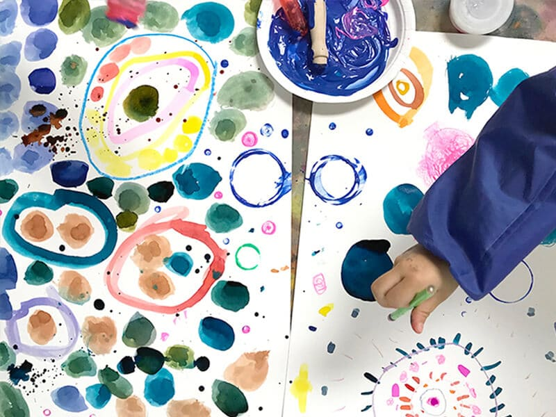 Yayoi Kusama Inspired Dot Paintings for Kids_feature image