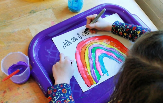 Mix and Paint a Rainbow – Activity Craft Holidays, Kids, Tips