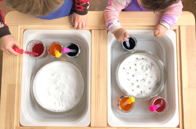 Simple Science Experiments for Kids using Baking Soda & Vinegar